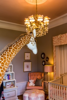 Childs room with giraffe